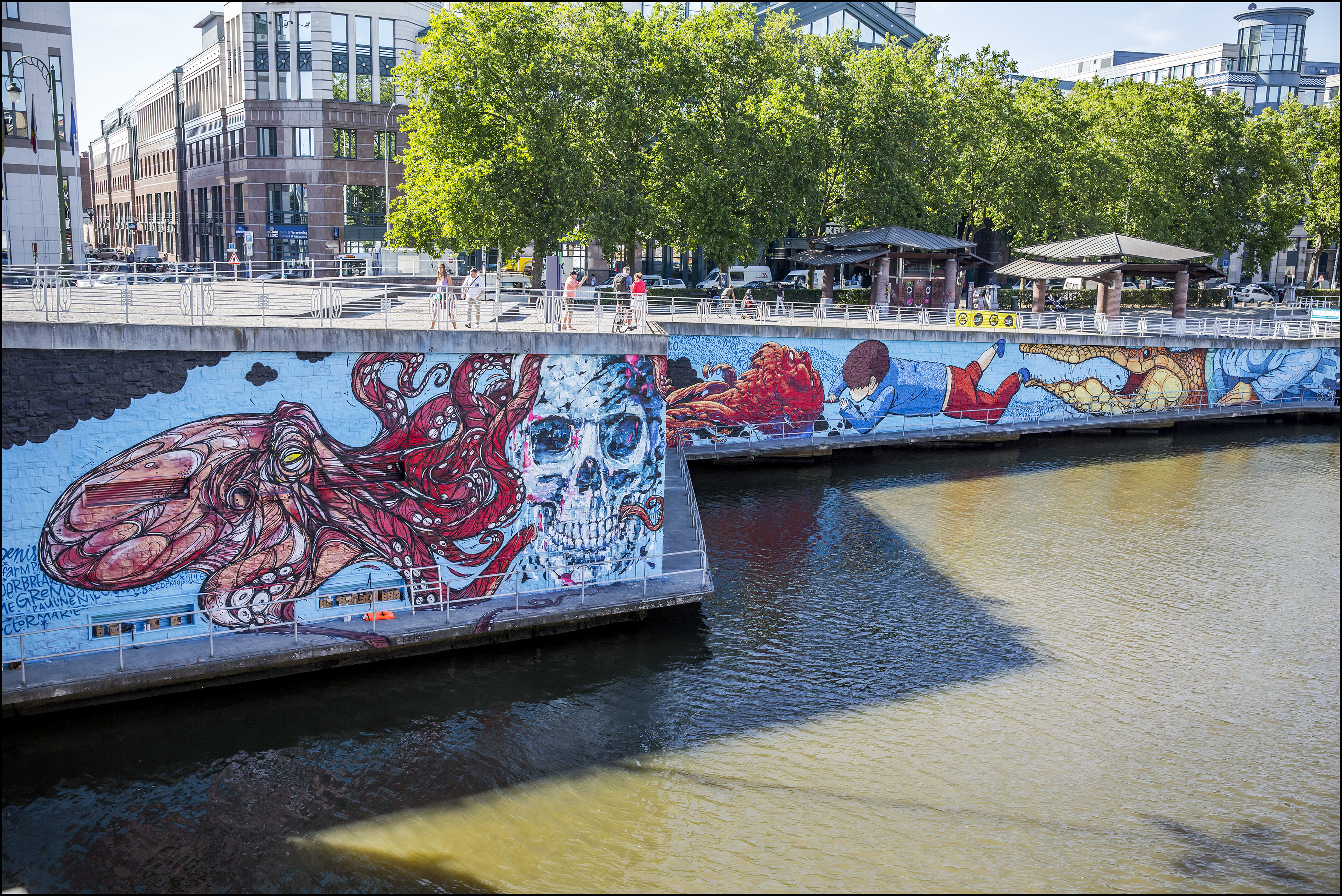 Kosmopolite Art Tour 2015 _ A Squid called Sebastian – Denis Meyers – Gijs Vanhee ©Eric Danhier